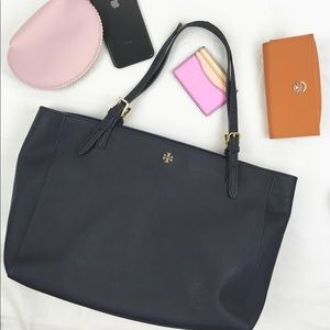 Tory Burch York Buckle Tote in Navy Saffiano